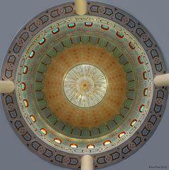Blick in die Kuppel der Moschee