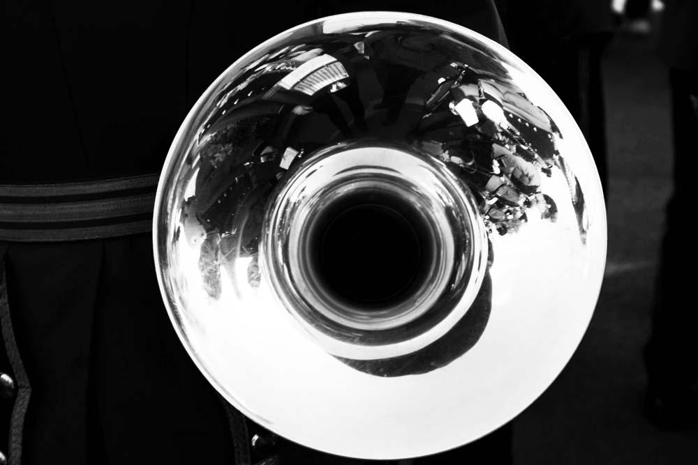 Blick in eine Trompete