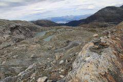 Blick ins Tal zum Fjord