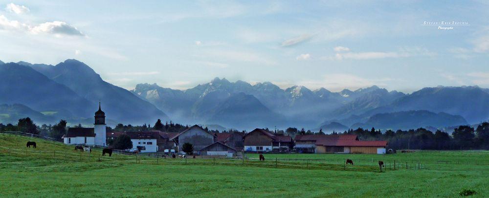 """Blick über Agathazell in Richtung Walsertal"""