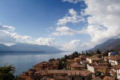 Blick über Cannero Riviera und den Lago Maggiore