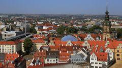 Blick über das Dresdner historische Zentrum  mit Schloß und Zwinger...