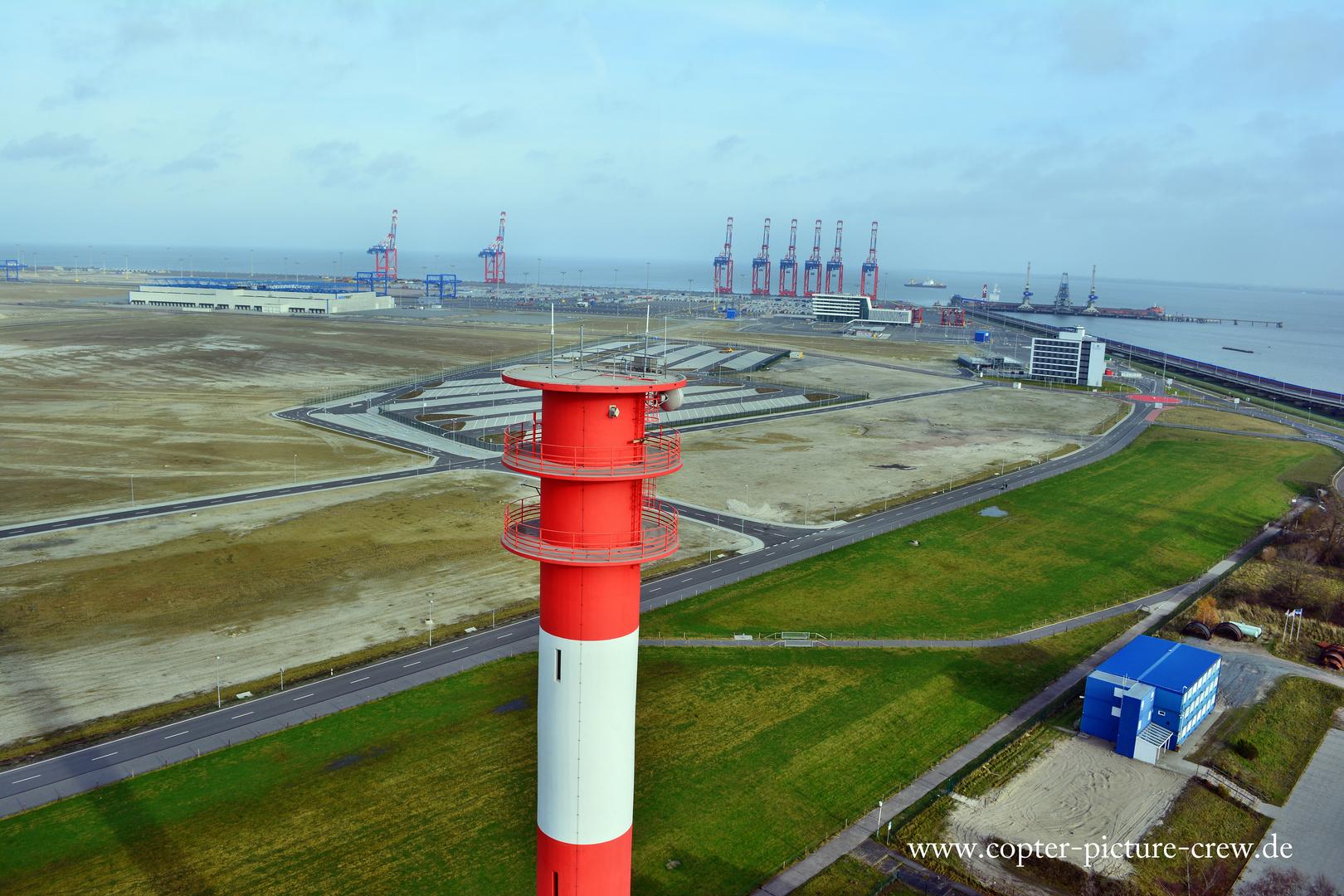 Blick über den Leuchtturm in Wilhelmshaven