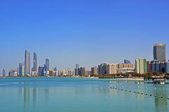 Blick über die Corniche in Abu Dhabi
