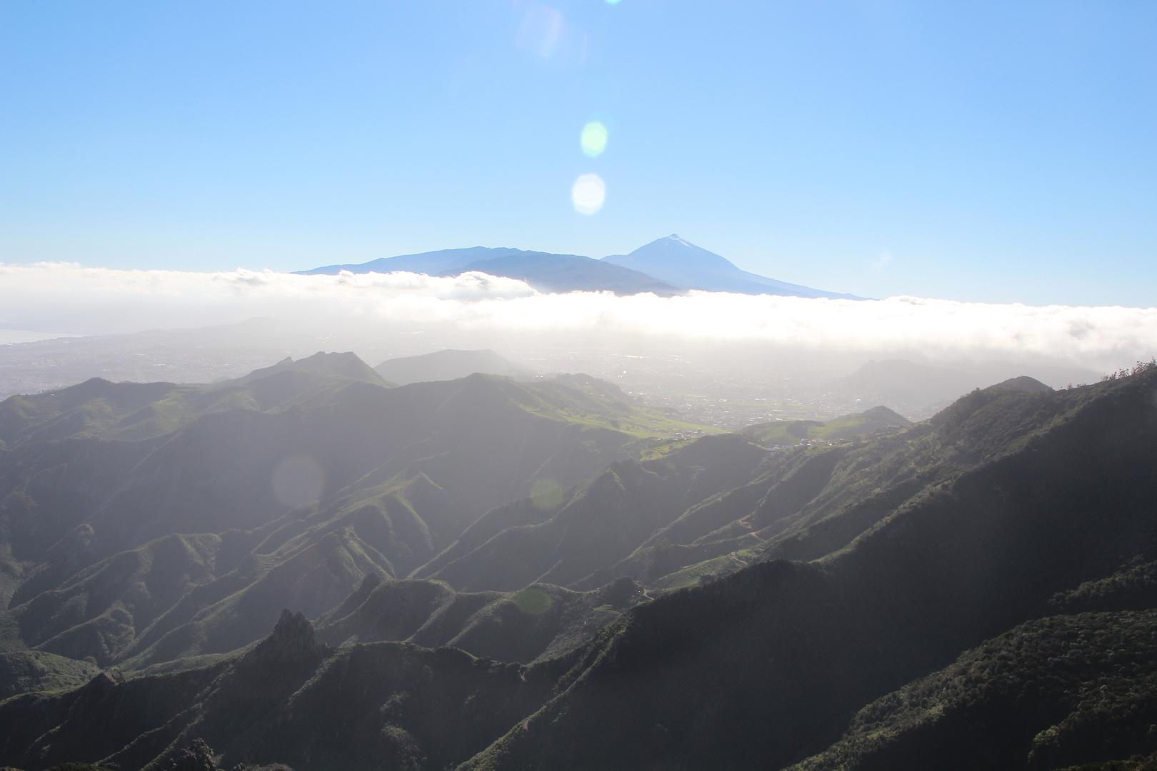 Blick übers Anaga auf den Teide