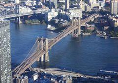 Blick vom 1WTC zur Brooklyn Bridge