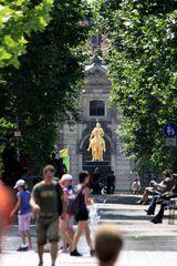 Blick vom Albertplatz zum Goldenen Reiter