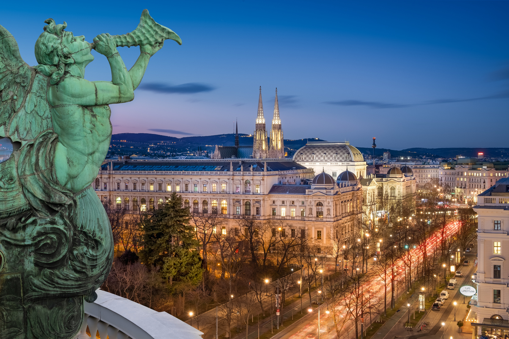 Blick vom Burgtheater zur Universität