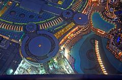 Blick vom Burj Khalifa aus 454m Höhe auf die Dubai Fontain