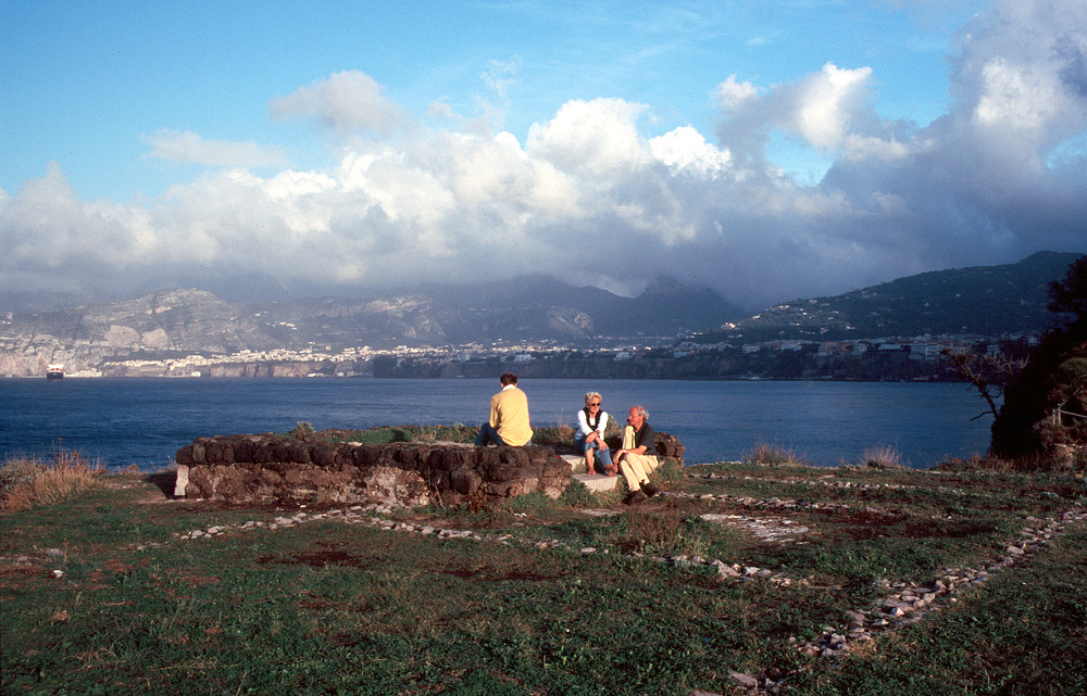 Blick vom Cabo di Sorrento über den Golf von Neapel (reload)