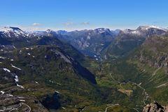 Blick vom Dalsnibba auf den Geiranger Fjord