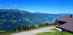Blick vom Enzianhof ins Zillertal