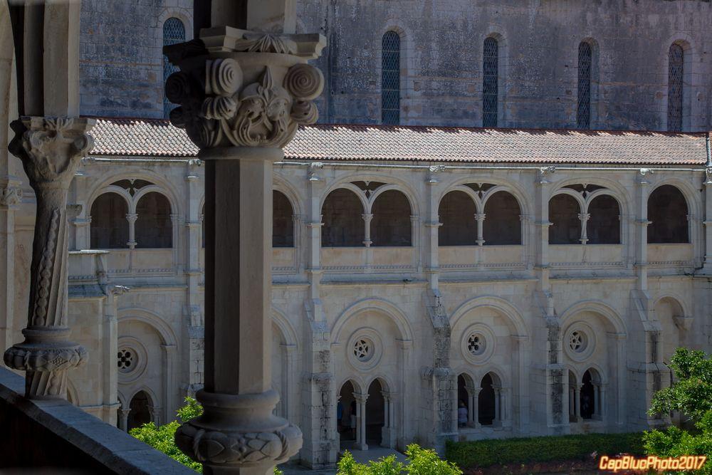 Blick vom Fenster zum Kreuzgang Mosteiro de Alcobaca