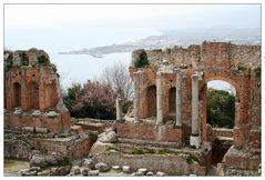 Blick vom Griechischen Theater nach Taormina