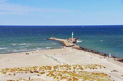Blick vom Leuchtturm Warnemünde zur Ostsee