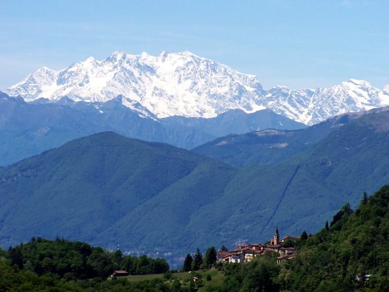 Blick vom Malcantone (oberhalb Lugano) ins Wallis.
