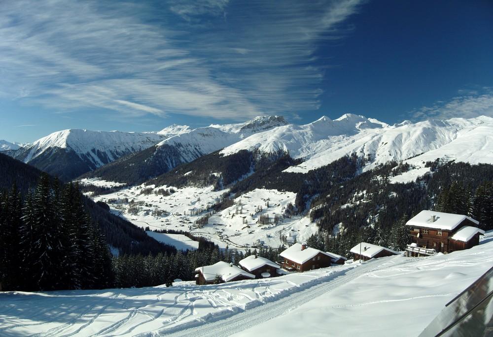 Blick vom Naturfreundehaus oberhalb von Davos auf