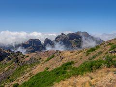 Blick vom Pico do Arieiro auf den Pico das Torres