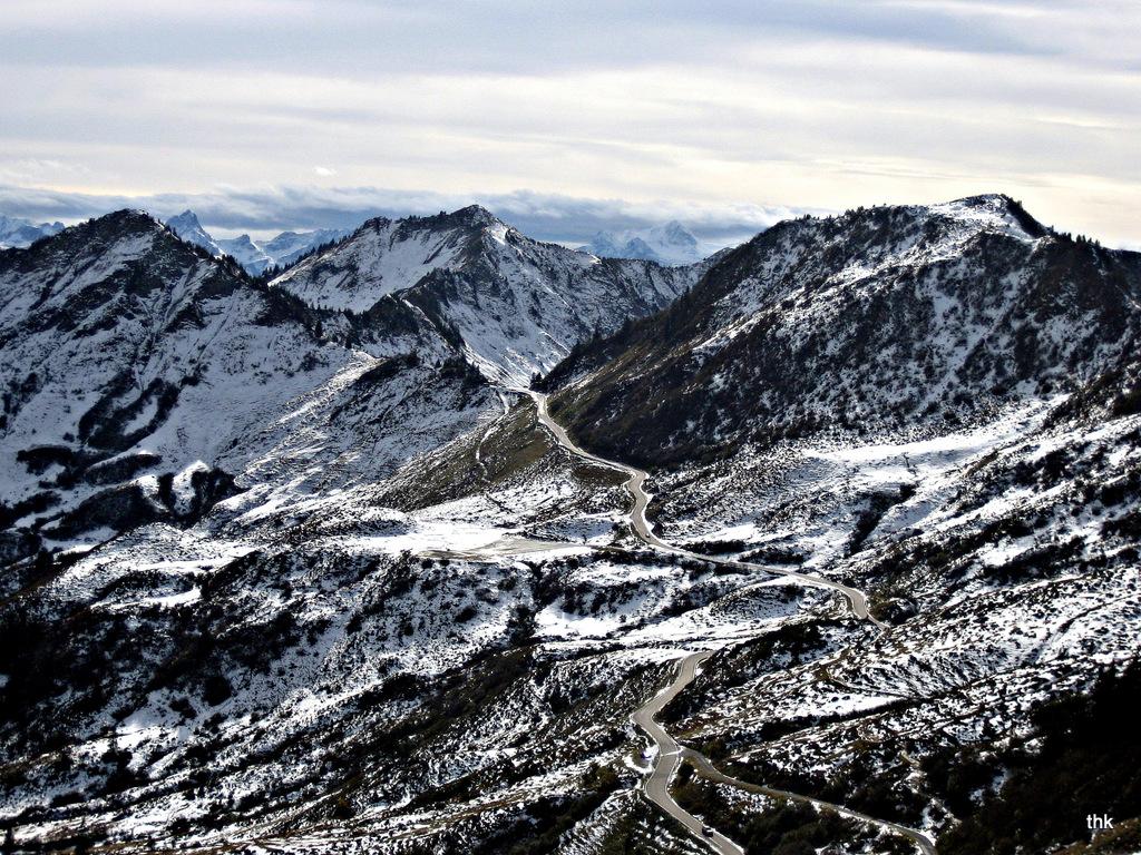 Blick vom Portlahorn ins Tal (Vorarlberg bei Darmüls)
