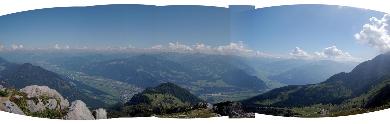 Blick vom Rofan / Rechts  ins Zillertal / links Inntal