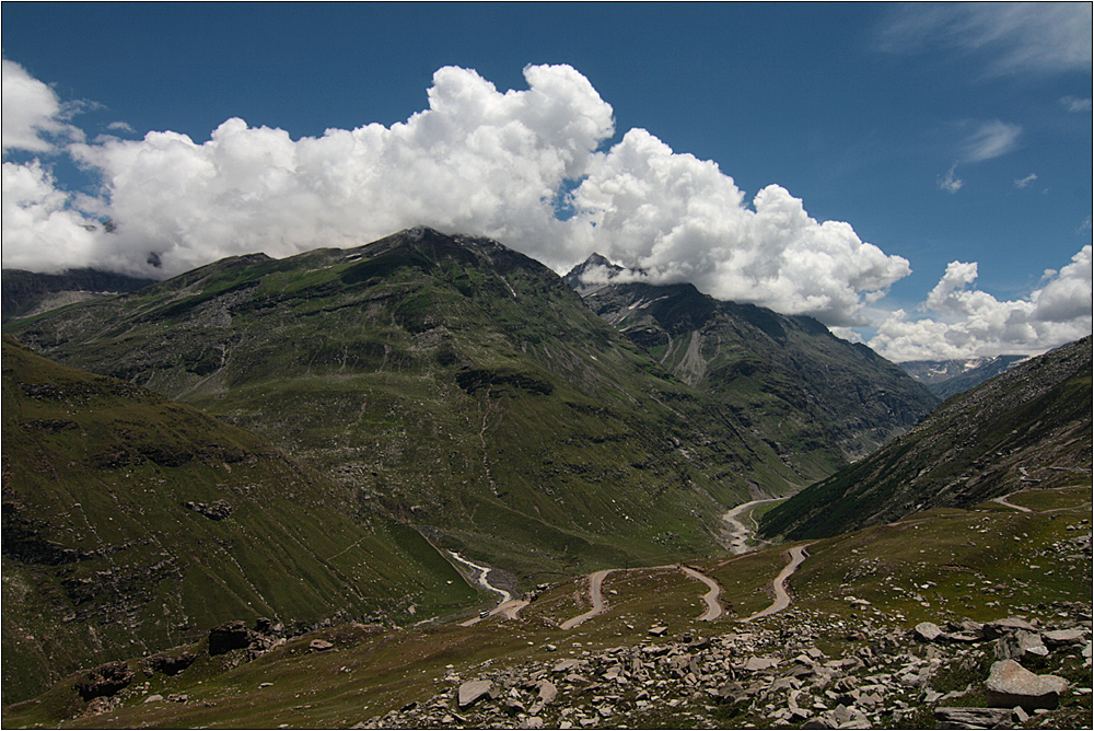 blick vom rohtang pass nach lahaul