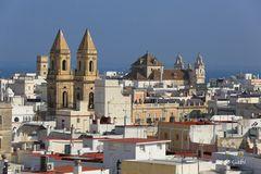 Blick vom Torre Tavira über Cadiz