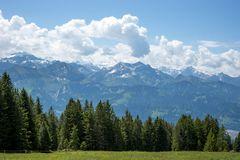 Blick vom Vorsass-Beatenberg zum Thunersee und den Berner Alpen