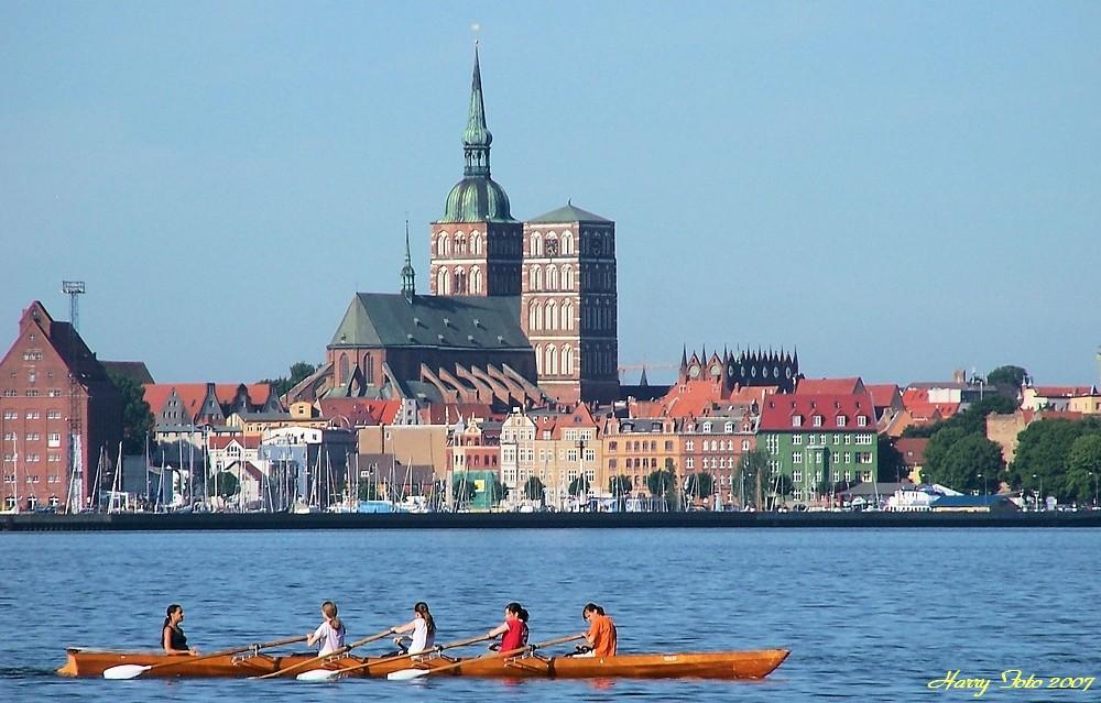 Blick von Altefähr auf Rügen nach Stralsund.