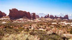 Blick von Arches NP in die Berge