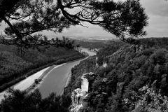 Blick von der Bastei ins Elbtal