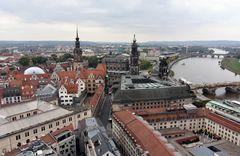 Blick von der Frauenkirche über Dresden