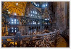 Blick von der Galerie auf das Hauptschiff der Hagia Sophia