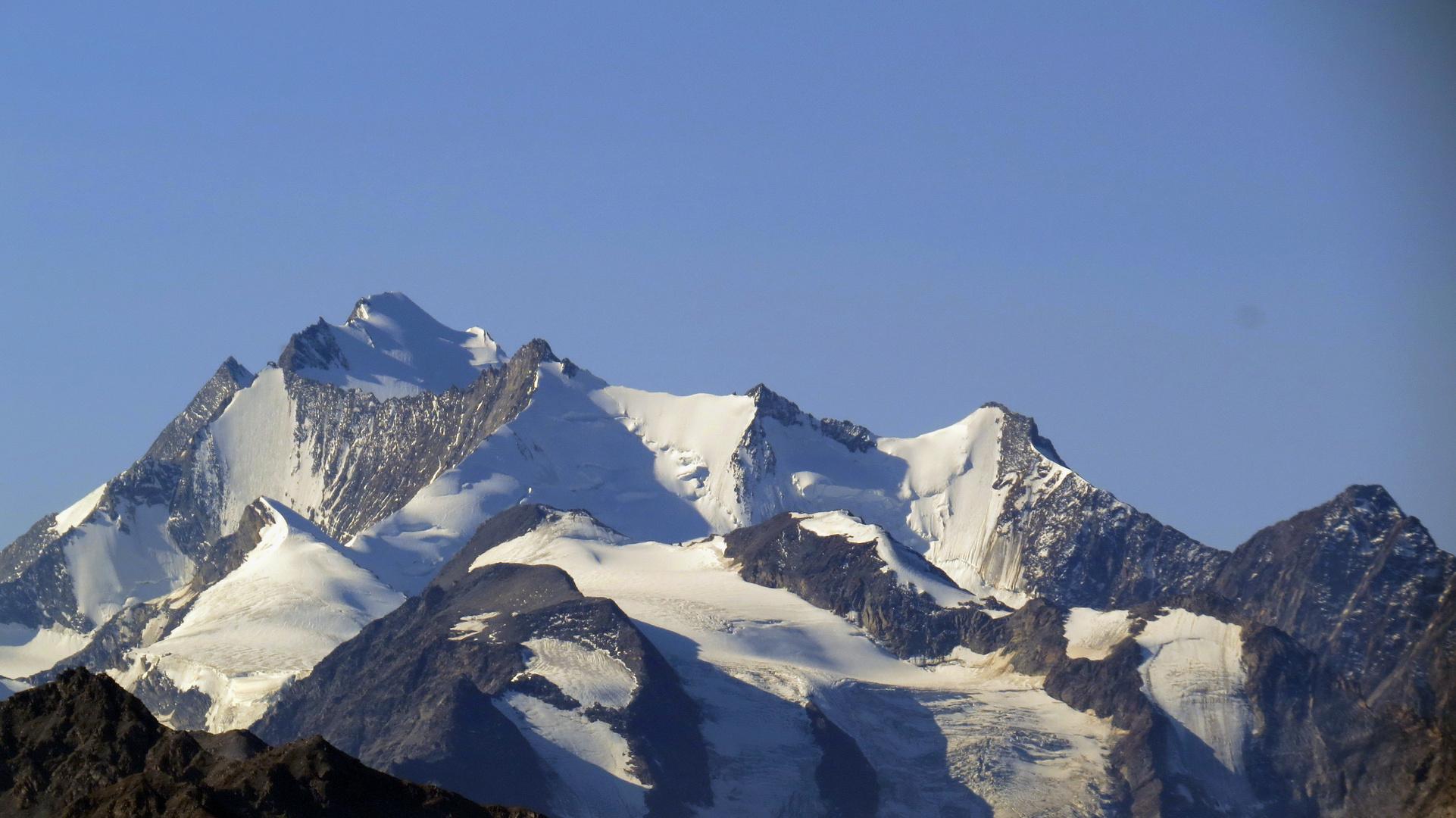 Blick von der Moosfluh auf die Walliser Alpen