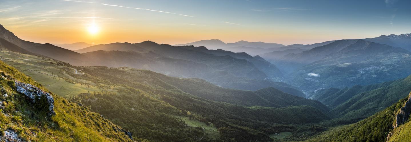 Blick von der Südseite des Monte Vettore in den Moniti Sibillini  nach Osten