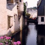 Blick von einer Brücke in Quimper (Frankreich)