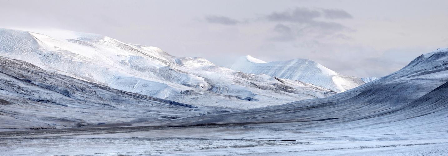 Blick von Elvenest auf De Geerdalen, Spitzbergen, Oktober 2013