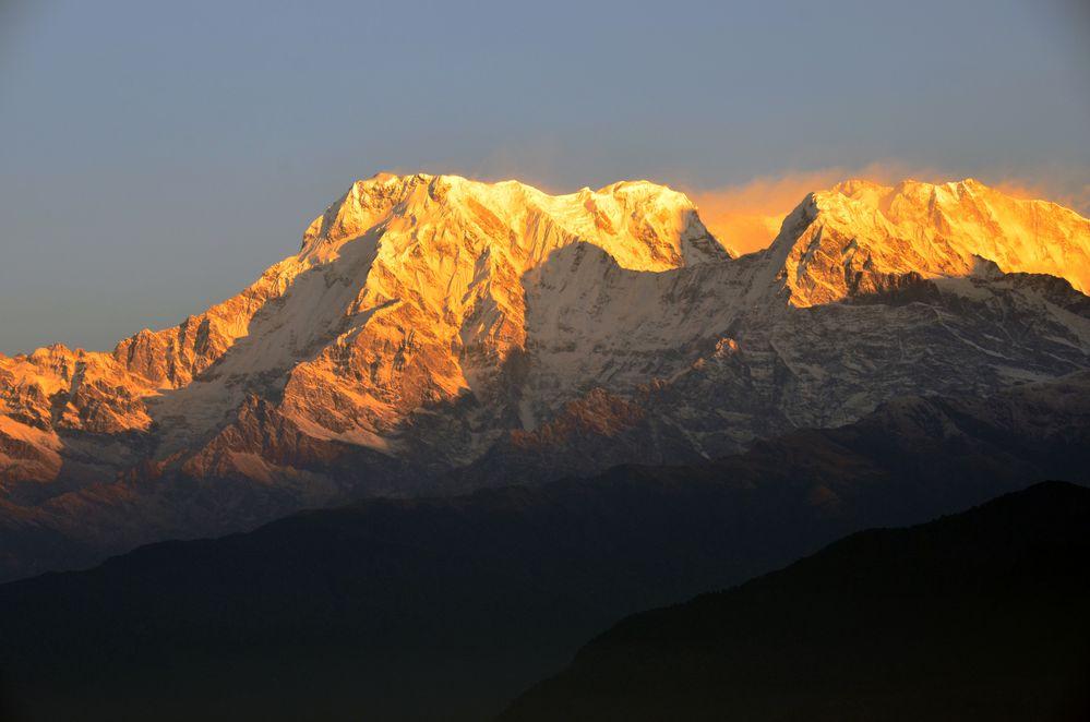 Blick von Sarangkot auf von links Annapurna Süd (7219m) und Annapurna I (8091m)