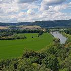 Blick von Schloss Fürstenberg auf die Weser und Weserbergland