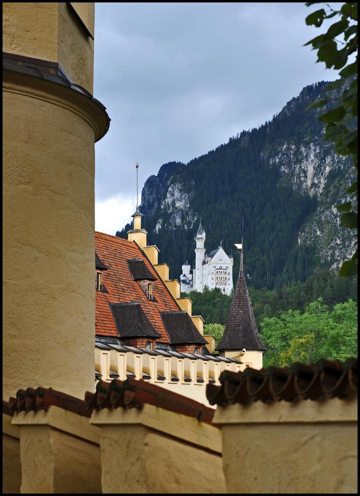 Blick von Schloss Hohenschwangau auf das Schloss Neuschwanstein