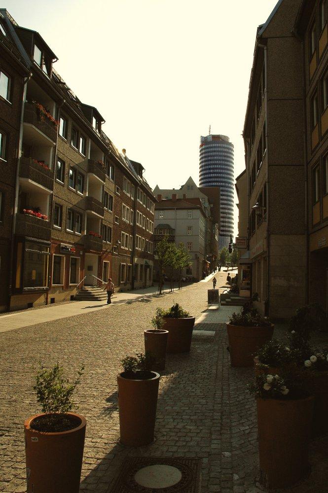 Blick zum Turm in Jena