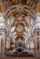 Blick zur Amorbacher Barock-Orgel