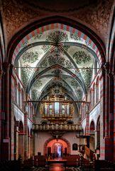 Blick zur Orgel
