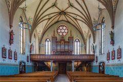 Blick zur Orgel in der Dreifaltigkeitskirche in Bülach