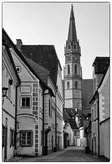 Blick zur Stadtpfarrkirche ...