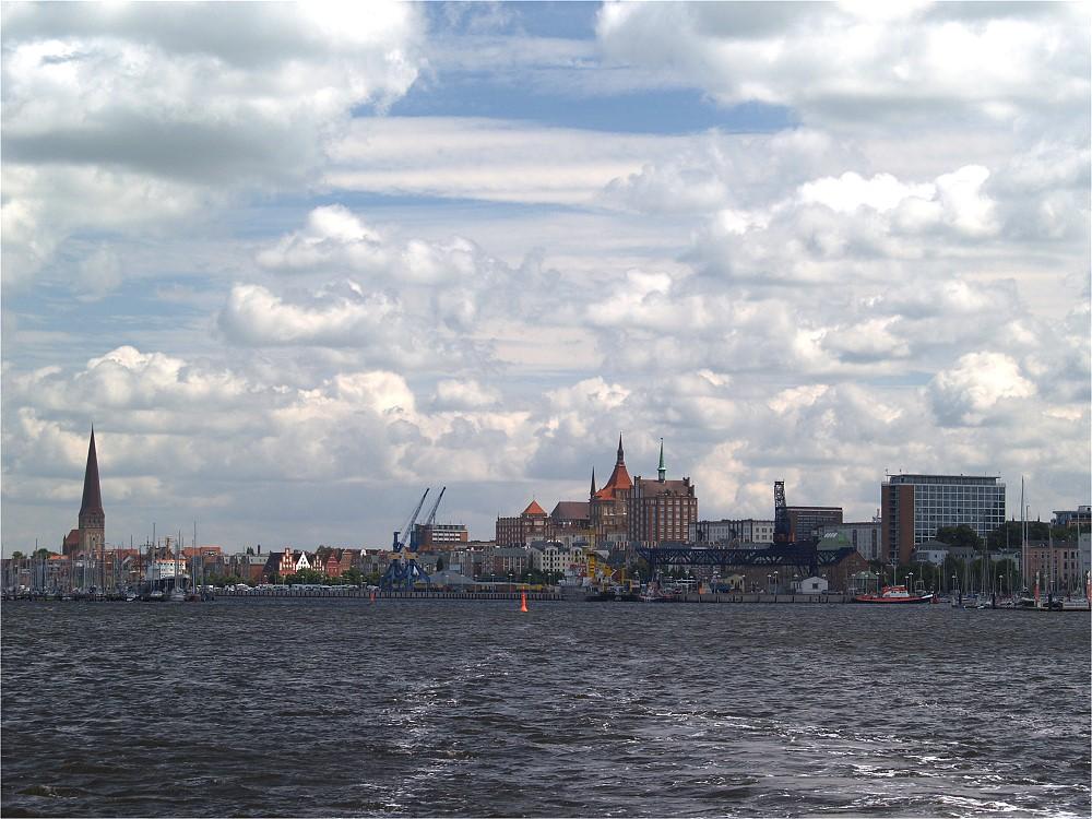 Blick zurück auf Rostock....