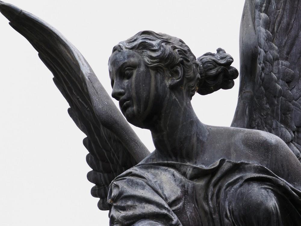 blickender Engel