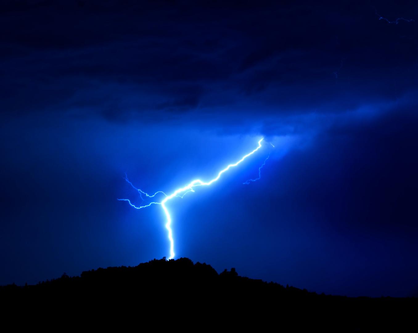 Blitz um Mitternacht