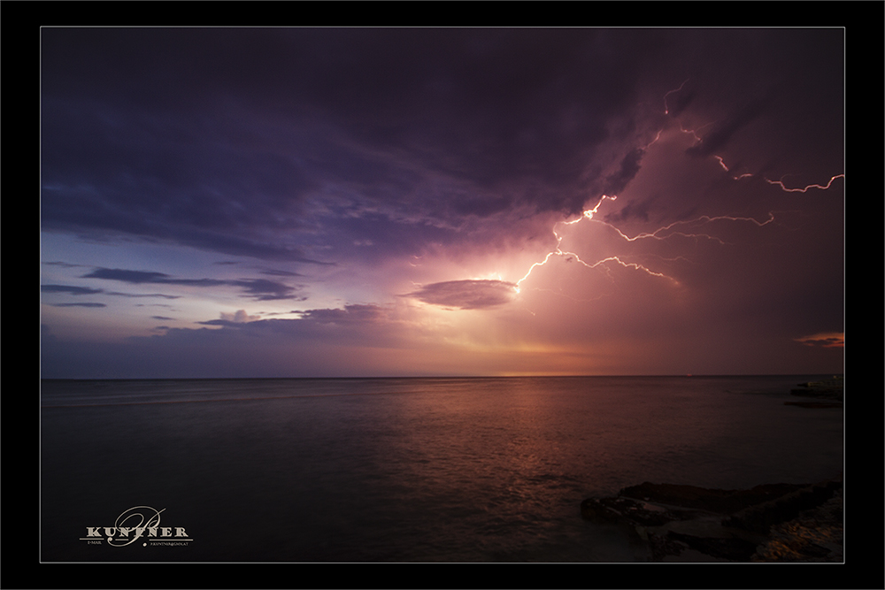 Blitze am Meer