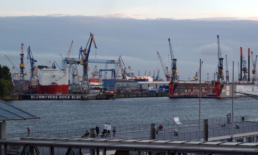 Blohm+Voss Dock Elbe 17 - Hamburg