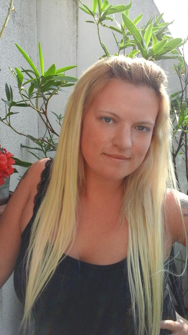 Glatte blonde haare. Blonde Frisuren Glatte Haare Kurz